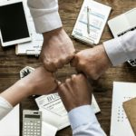 Poder e controle X Colaboração e resultados